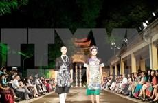 Inauguran en Hanoi Festival de traje tradicional de mujeres de Vietnam
