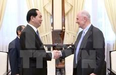 Profesor estadounidense afirma su apoyo al desarrollo tecnológico de Vietnam