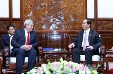 Presidente de Vietnam urge a fomentar relaciones partidistas con República Checa