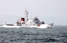 Barco de la guardia costera de China visita ciudad de Vietnam
