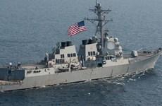 Buque militar estadounidense atraca en puerto filipino