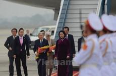 Primeras actividades de emperador y emperatriz de Japón en Hanoi