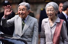 Un día ocupado del Emperador japonés Akihito en Vietnam