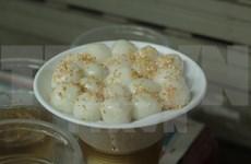 En Vietnam fiesta de Han Thuc (alimentos frescos)