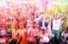 Colores vivos del Festival de Holi 2017