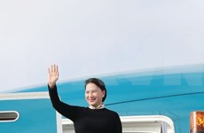 [Fotos] La presidenta de la Asamblea Nacional de Vietnam visita Australia