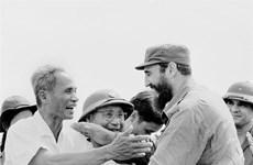 [Foto] Líder cubano Fidel Casto visita la zona de liberación de Vietnam del Sur