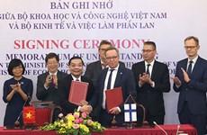 Vietnam y Finlandia rubrican acuerdo sobre ciencia-tecnología e innovación