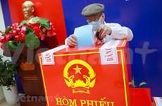 Día electoral especial de un votante vietnamita de 95 años