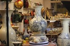 Busca aldea cerámica de Bat Trang incrementar el valor de sus productos turísticos