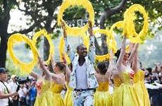 Calienta carnaval callejero atmósfera de Hanoi en ocasión de su Día de Liberación