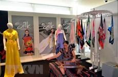 (Televisión) Presentan en el casco antiguo de Hanoi muestra sobre la elaboración de seda