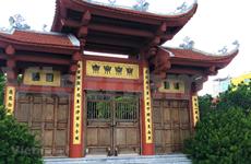 (Video) La belleza de la antigua pagoda Thien Nien al lado del lago Oeste