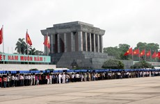 (Televisión) Reabre Mausoleo del Presidente Ho Chi Minh