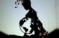 (Televisión) Esculturas de silueta del joven vietnamita promueven estilo de vida verde