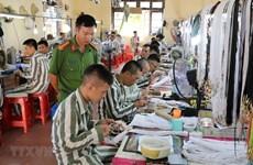 (Viedo) Prestan asistencia a presos extranjeros en Vietnam para rehacer su vida