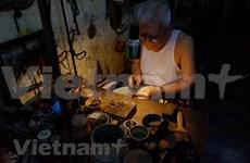 [Foto] Conservan la orfebrería de plata tradicional de Hanoi
