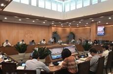 Hanoi por garantizar la prevención epidémica para reanudar los vuelos internacionales