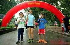 Atrae amplia participación carrera por la salud en Hanoi