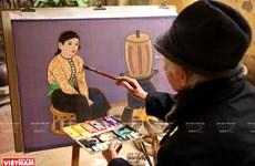 Nguyen Thu, creador dedicado a la pintura sobre seda