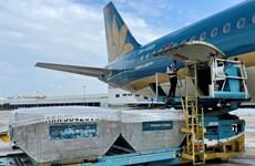 Vietnam Airlines completa distribución de vacunas contra COVID-19 en país