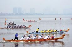 [Fotos] Competencia de remo en lago Oeste en las fiestas del Tet