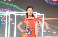 [Foto] Nguyen Tran Khanh Van, Miss Universo Vietnam 2019, en pasarela