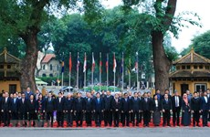 [Foto] Vietnam contribuye activamente al desarrollo de ASEAN