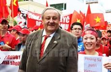 Marcel Winter, reelegido como presidente de Asociación de Amistad República Checa-Vietnam