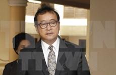 Condenan a 5 años de prisión a líder opositor camboyano