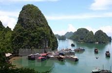 Bahía vietnamita de Ha Long atrae a más de 26 mil turistas en primeros días de 2017