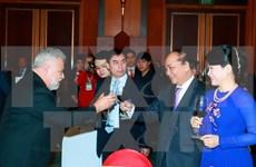 Primer ministro de Vietnam ofrece banquete en ocasión del Tet