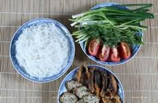 Sopa de fideos de arroz con pescado en Hai Phong