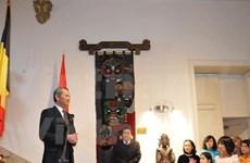 Comunidad vietnamita en Bélgica festejan Año Nuevo Lunar del Gallo