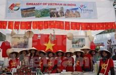 Presentan productos tradicionales vietnamitas en feria caritativa en India