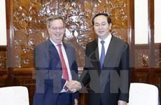 Presidente vietnamita elogia aportes de embajador español a nexos bilaterales