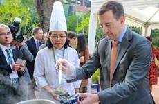 Cocineros de 24 restaurantes vietnamitas demostrarán técnicas de culinaria francesa