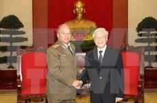 Líder partidista recibe a ministro cubano de las Fuerzas Armadas Revolucionarias