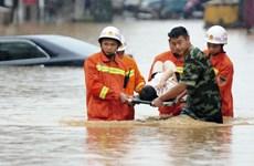 Al menos cinco muertos por inundaciones en Indonesia