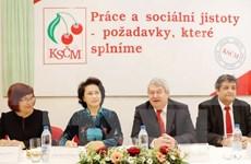 Presidenta del Parlamento vietnamita reunida con líder del Partido Comunista checo