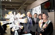 Líder parlamentaria de Vietnam visita región checa de Karlovy Vary