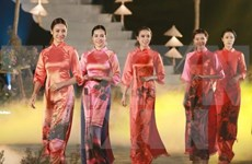 Festival de Ao Dai atrae a miles de visitantes a Hue