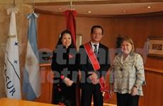 Argentina concede Orden de Mayo de Gran Cruz al embajador vietnamita