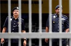 Arrestan en Malasia a policías vinculados con traficantes de drogas