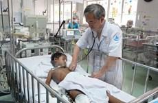 Médicos de Vietnam recaudan fondos para apoyar a niño camboyano
