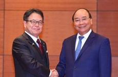 Premier vietnamita recibe a ministro nipón de Economía, Comercio e Industria