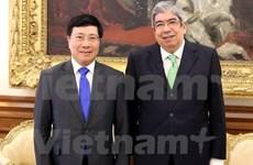 Vietnam y Portugal acuerdan aumentar intercambio de delegaciones