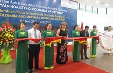 Inauguran en Vietnam exposición de fotos y artículos artesanales de Colombia