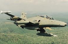 Mueren pilotos en accidente de caza de combate en Malasia
