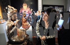 Exhiben en Hanoi objetos de madera lacados antiguos